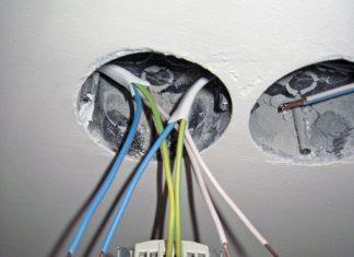 Крепление электрической розетки