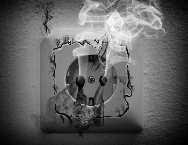замыкание в электропроводке