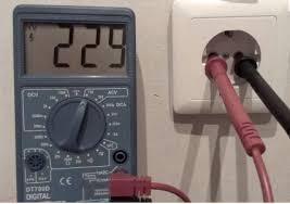 проверка тока в розетке мультиметром