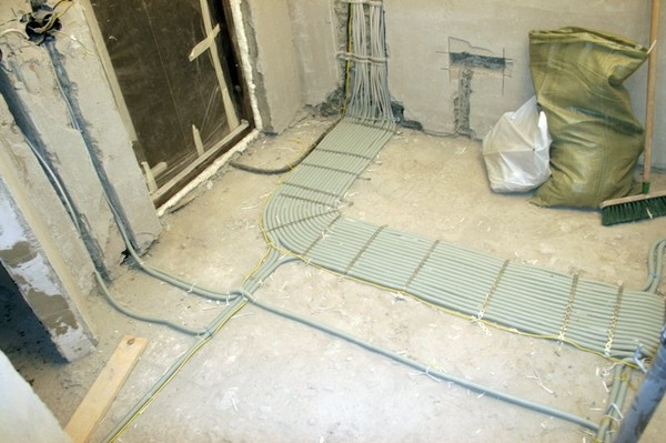 электропроводка под стяжкой пола
